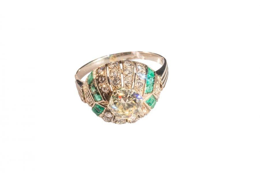 Anello Diamanti e Smeraldi in Platino