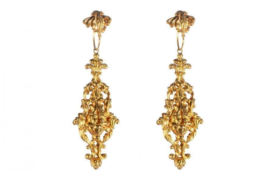 Orecchini pendenti in oro del 1800