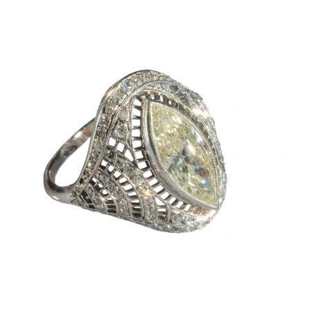 anello marquise
