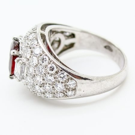 Anello Vintage del 1970 Rubino e Diamanti