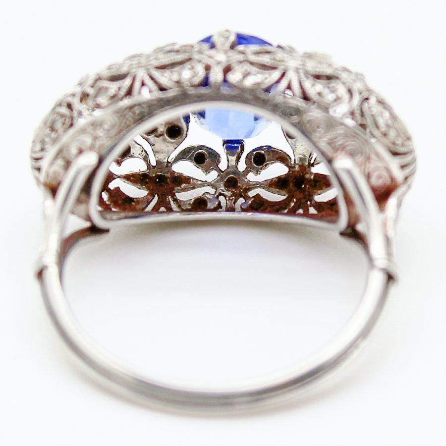 Anello Liberty in platino zaffiro e diamanti