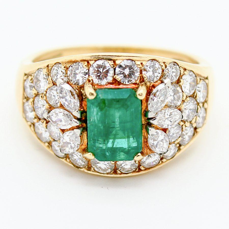 Anello Vintage con Smeraldo e Diamanti