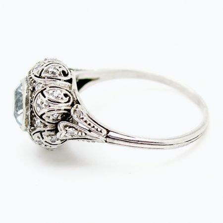 Anello Decò in platino acquamarina e diamanti taglio antico