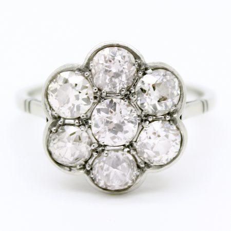 Anello antico a grappolo primi '900 in oro bianco e diamanti taglio antico