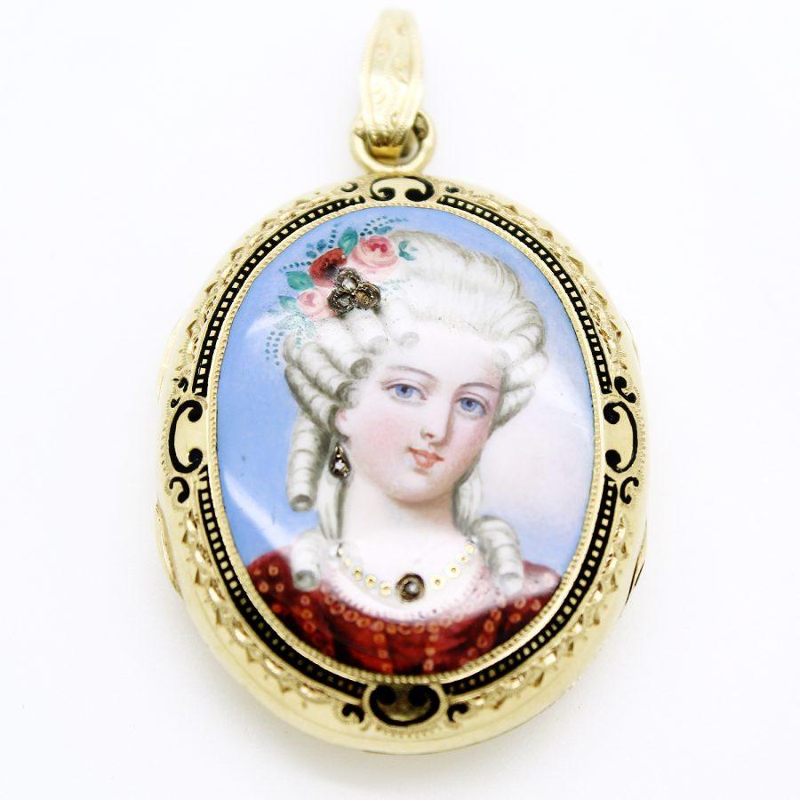 Pendente portaritratto del XIX secolo in oro giallo e miniatura in smalto