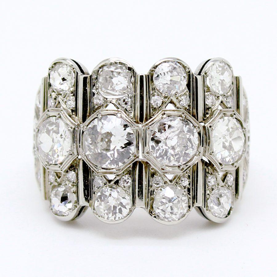 Anello Decò in oro bianco e diamanti