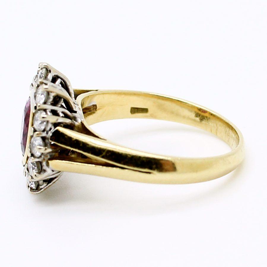 Anello anni '70 oro giallo e oro bianco con rubino e diamanti