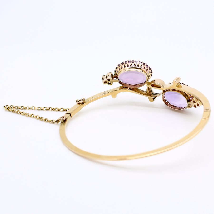 Bracciale anni '40/50 in stile ottocentesco in oro giallo con ametiste e diamanti